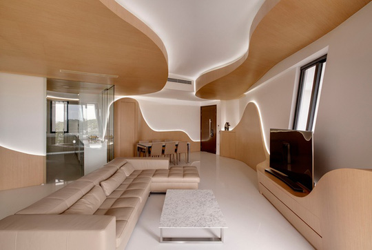 Cặp vợ chồng trẻ có 2 con gái đang sống ở căn nhà rộng 232 m2.