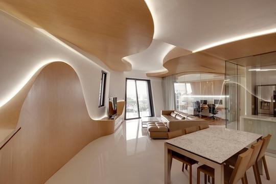 Chung cư của họ do KTS nổi tiếng Zaha Hadid thiết kế. Đôi vợ chồng muốn nội thất nhà phải ấn tượng, có nét khác lạ so với các căn hộ thông thường.