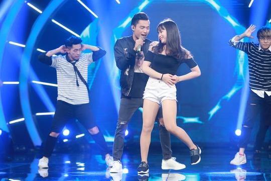 Việt Thắng trong ca khúc của quán quân Vietnam Idol năm nước, Trọng Hiếu, Em là bà nội của anh