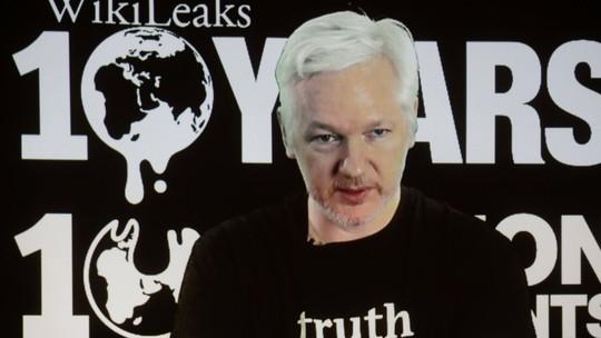 Ông Julian Assange, người sáng lập trang WikiLeaks. Ảnh: AP
