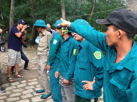 Các lực lượng được huy động tìm kiếm tại mũi chùa Kim Liên, xã Tân Hòa, huyện Tân Thành
