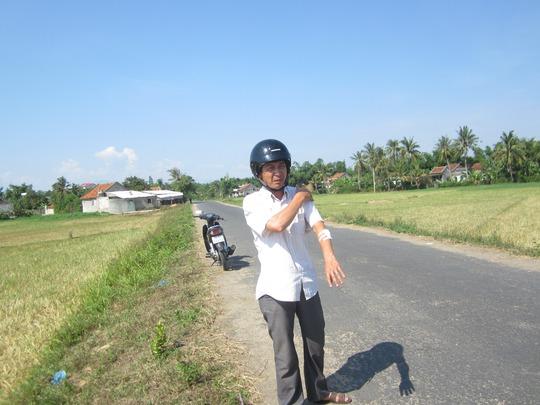 Ông Nguyễn Kim Dũng trình bày lại sự việc tại đoạn đường bị cướp