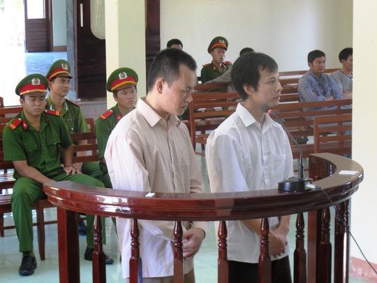 Hai tên cướp là Phạm Thanh Đại và Đặng Sỹ Lệ tại phiên tòa phúc thẩm