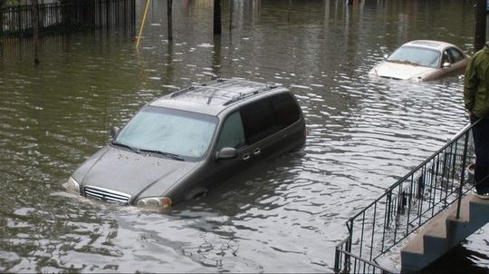 Mua xe cũ, làm thế nào để tránh mua phải xe ngập nước