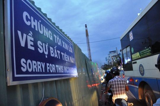 Cầu vượt tại vòng xoay Nguyễn Kiệm - Nguyễn Thái Sơn dự kiến đến tháng 6-2017 sẽ thi công xong