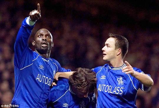 Cựu tiền đạo Chelsea và Milan dẫn đầu cuộc bầu cử tổng thống - Ảnh 3.