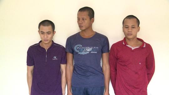 """""""Làm phiền"""" khách nhậu, 2 thanh niên ở Phú Quốc bị chém suýt chết  - Ảnh 1."""