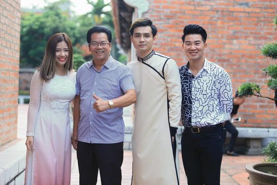 Nghệ sĩ Hà Nội tề tựu trong lễ giỗ Tổ nghề sân khấu - Ảnh 1.