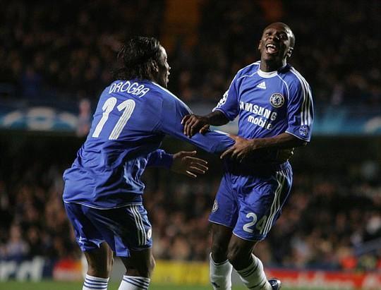 Đến Pheonix Rising, Drogba sẽ được chơi bên cạnh đồng đội cũ ở Chelsea là Shaun Wright-Phillips