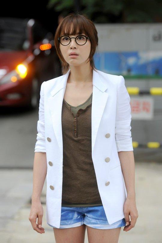 Nữ diễn viên Kang Ye Won quyến rũ ở tuổi 37