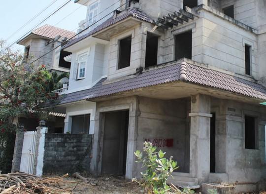 Chính sách không hợp lý, hàng loạt dự án bất động sản phải bỏ hoang - Ảnh 1.
