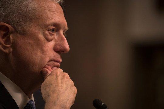 Tướng Mattis tham gia phiên điều trần hôm 12-1. Ảnh: THE NEW YORK TIMES