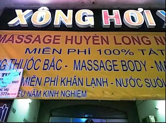 Tụ điểm massage kiểu Thái bị cơ quan chức đột kích trong đêm