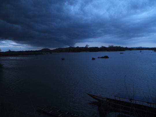 Một chiều mưa dữ dội ở Si Phan Do