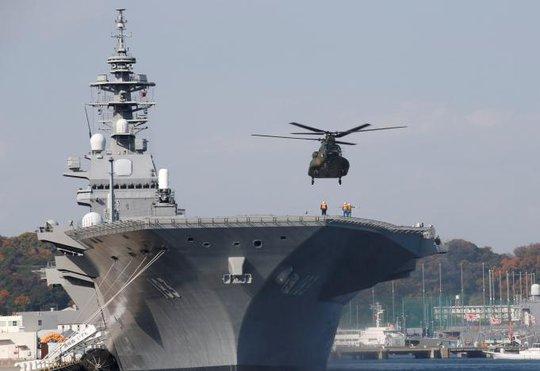 Tàu sân bay trực thăng Izumo. Ảnh: REUTERS