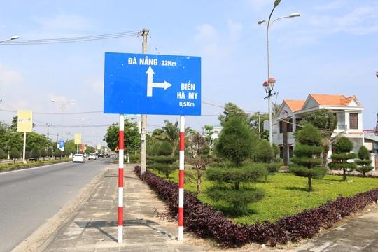 Biển Hà My có vị trí thuận lợi, cách Hội An 7 km, cách TP Đà Nẵng 22 km