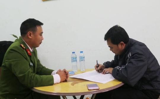 Bị can Quân làm việc với cơ quan Công an - Ảnh do Công an cung cấp