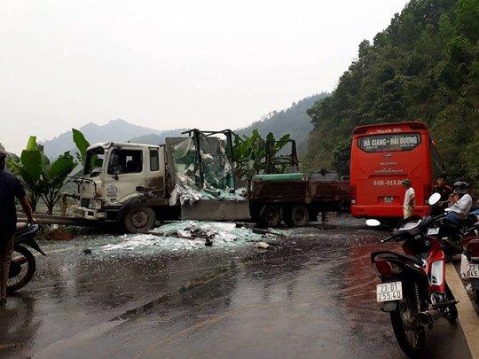 Hiện trường vụ tai nạn khiến 5 người bị thương - Ảnh: Otofun