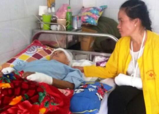 Bà Đ. hiện đang điều trị tại Hà Nội sau khi thoát chết