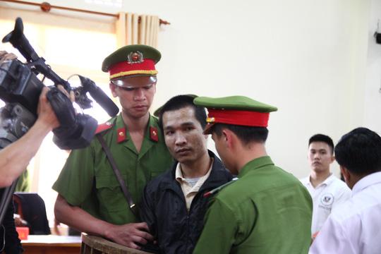 Bị cáo Kiều Quốc Huy vẫn bình thản sau khi tòa tuyên án tử.