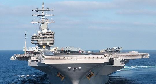 ... và tàu sân bay USS Ronald Reagan của Mỹ. Ảnh: PIXABAY