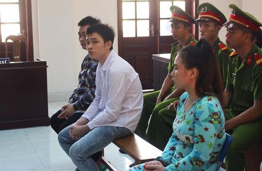 Ba bị cáo tại phiên tòa.