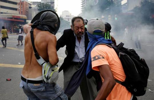 Venezuela: Bạo loạn ở nhà tù, 12 người thiệt mạng - Ảnh 1.