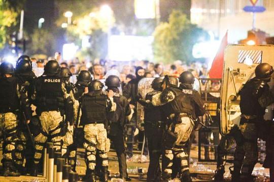 Đổ máu trong Quốc hội Macedonia sau khi lộ diện tân chủ tịch - Ảnh 2.
