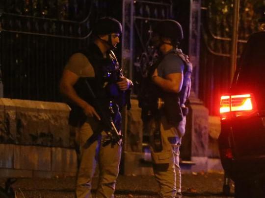 """Úc: Bắt con tin, nghi phạm """"trung thành IS"""" bị bắn chết - Ảnh 2."""