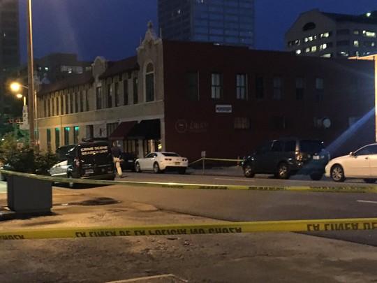 Mỹ: Đấu súng tại hộp đêm, 17 người bị thương - Ảnh 1.