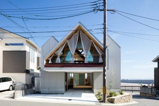 Nhà gỗ cấp 4 đẹp như biệt thự nhờ thiết kế tối giản - Ảnh 1.