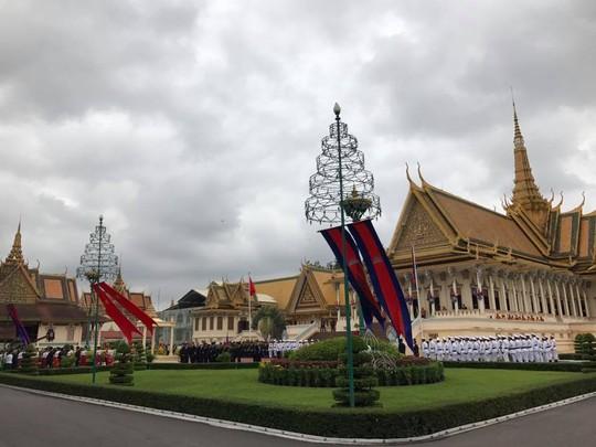 Trang trọng lễ đón Tổng Bí thư tại Hoàng cung Campuchia - Ảnh 8.