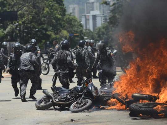 Bầu cử hội đồng lập hiến Venezuela: 15 người chết - Ảnh 1.