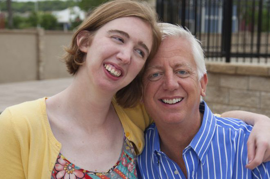 Cha xây công viên giải trí 51 triệu USD cho con gái khuyết tật - Ảnh 1.