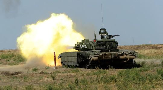 Xe tăng Nga nã pháo nhầm đồng đội, 6 người thương vong - Ảnh 1.