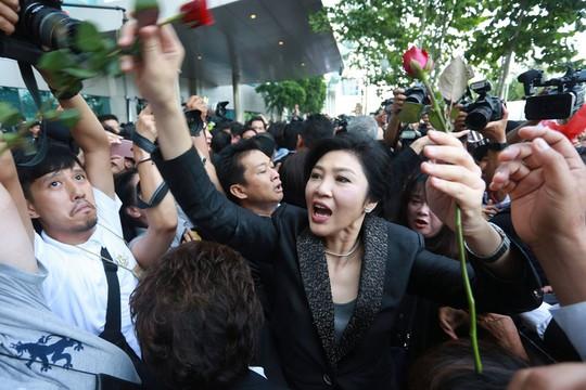 Thái Lan: Bà Yingluck đang ở Anh - Ảnh 1.