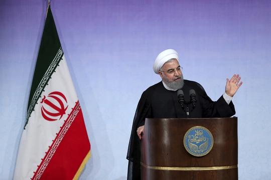 Tổng thống Iran và phát biểu về 10 ông Donald Trump - Ảnh 1.