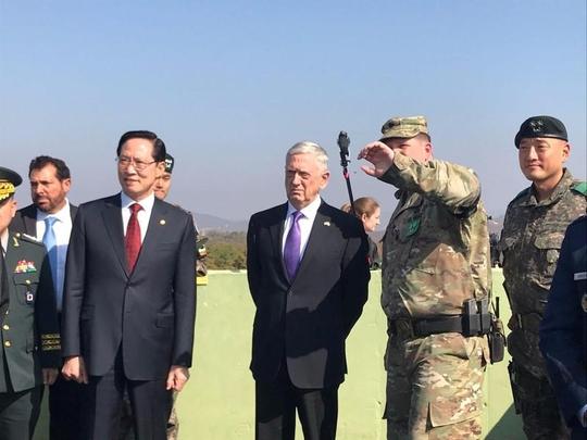 Bộ trưởng Quốc phòng Mỹ đến gần lò lửa Triều Tiên - Ảnh 1.