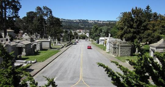 Thị trấn có 99,9% cư dân tàng hình tại Mỹ - Ảnh 1.