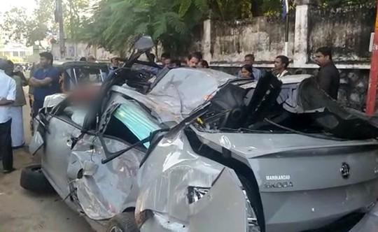 Vừa mua xe hơi thì gây tai nạn tử vong - Ảnh 1.
