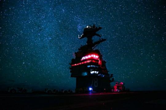 Những hình ảnh ấn tượng của hải quân Mỹ năm 2017 - Ảnh 26.