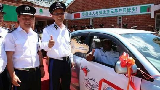 Kế hoạch thuê người Trung Quốc làm cảnh sát chết yểu - Ảnh 1.