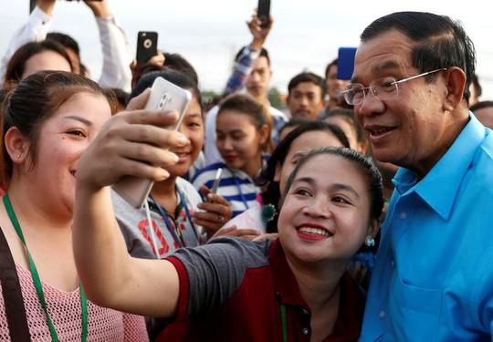 Ông Hun Sen muốn lãnh đạo Campuchia ít nhất 10 năm nữa - Ảnh 1.