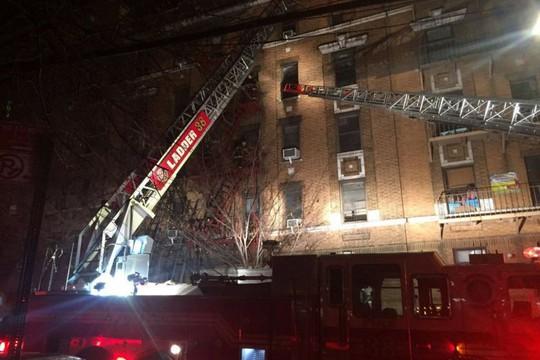 Cứu 5 người khỏi đám cháy, quay lại cố cứu thêm người thì thiệt mạng - Ảnh 4.