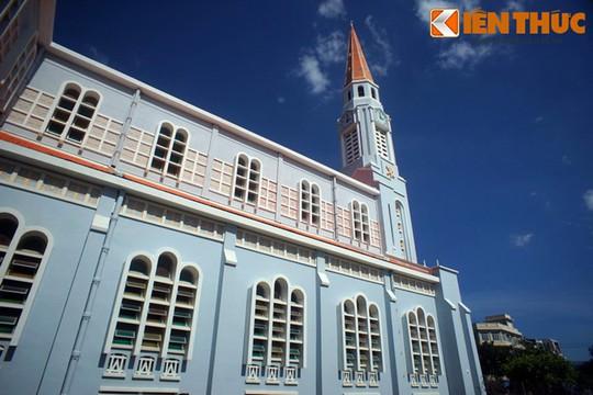 Khám phá nhà thờ Nhọn nổi tiếng ở Quy Nhơn - Ảnh 10.