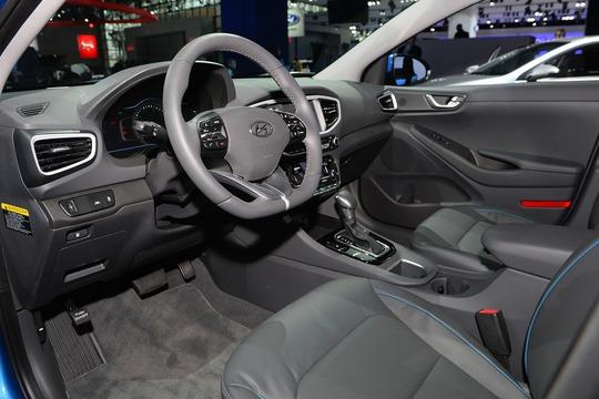 """Xe """"xanh"""" của Hyundai bán ra với giá 523 triệu đồng"""