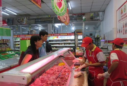 Người tiêu dùng chọn thịt heo có thương hiệu - Ảnh 1.