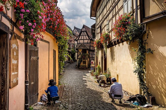 Những ngôi làng đẹp như trong chuyện cổ tích - Ảnh 10.