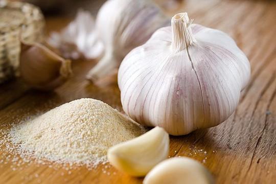 Muối trộn bột tỏi có tác dụng diệu kỳ cho sức khỏe.