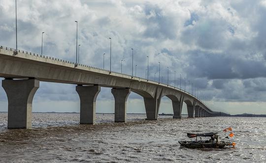 Thủ tướng cắt băng khánh thành cầu vượt biển dài nhất Đông Nam Á - Ảnh 3.